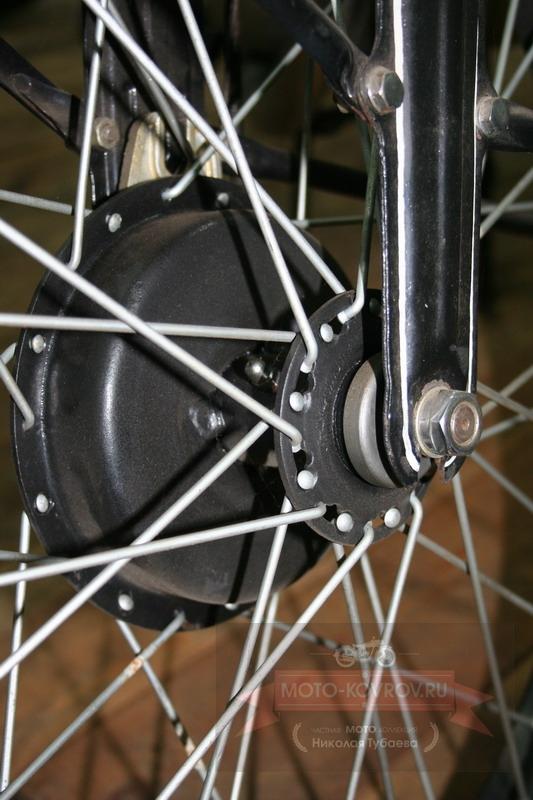Маслёнка ступицы и крепление переднего колеса
