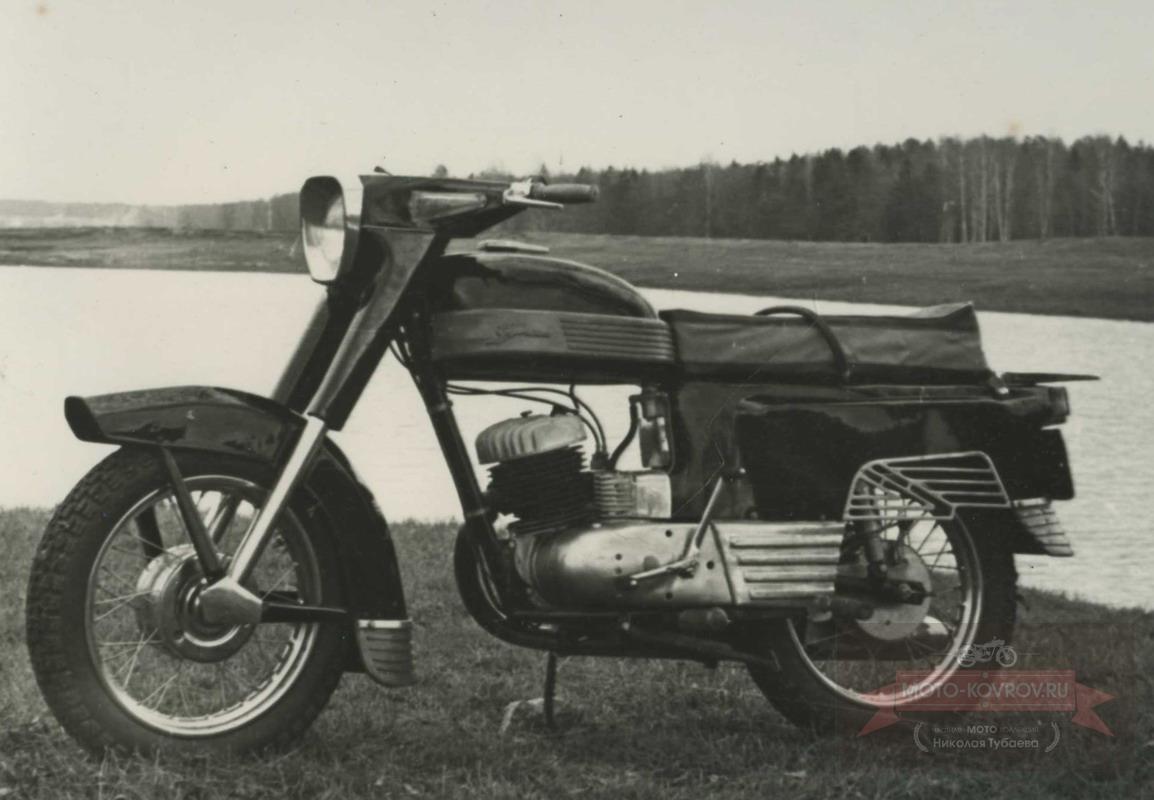 114. Перспект.модель 1962-64гг дорожн.мотоцикл кл.175