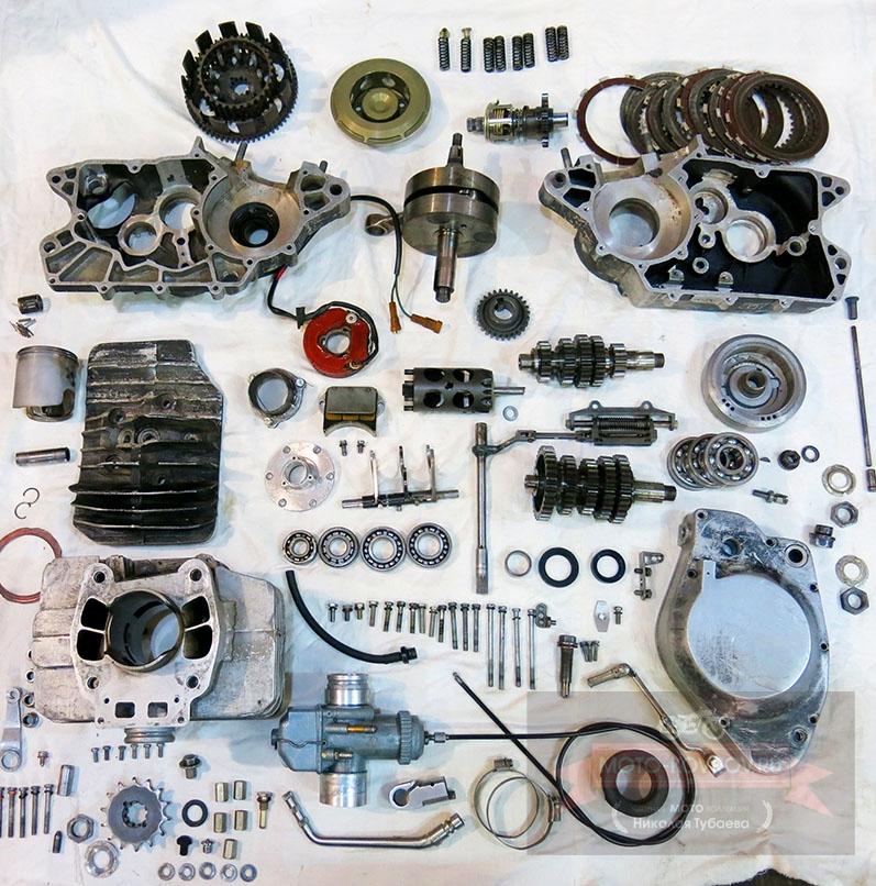 Так выглядит разобранный двигатель мотоцикла.
